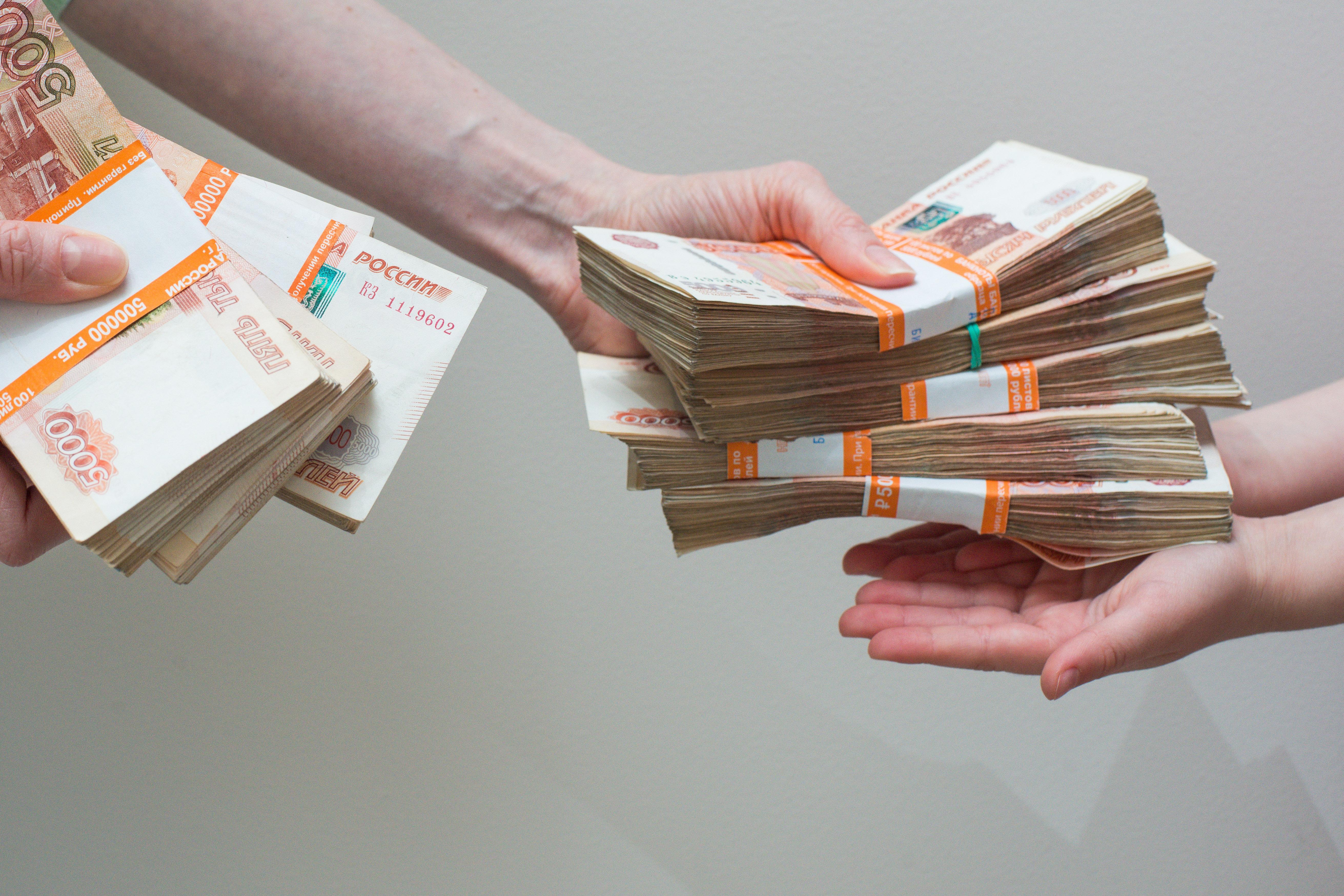 Нарасналият брой потребителски кредити безпокои властите в Русия