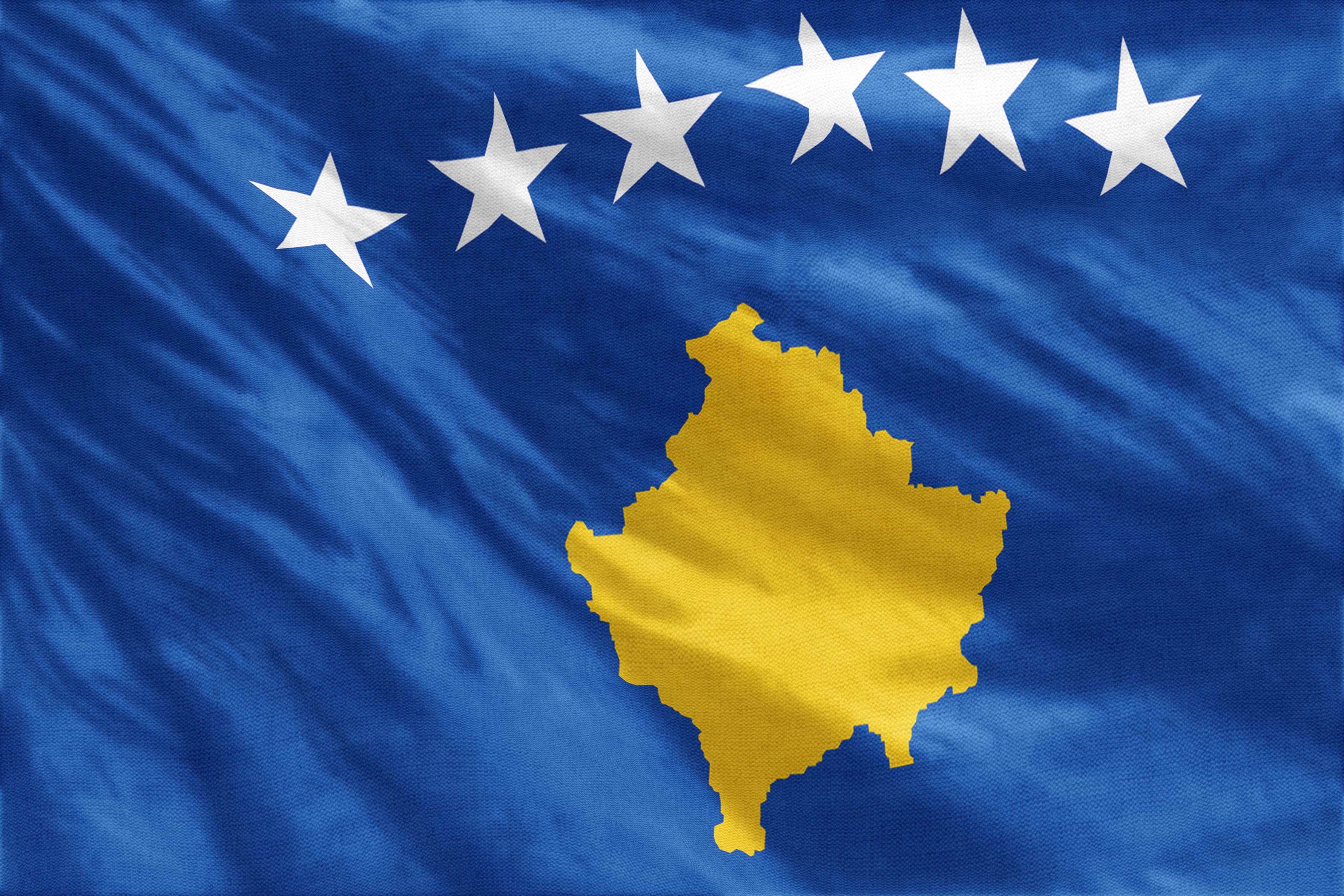Откраднаха знаме на Косово преди да бъде вдигнато в Прищина