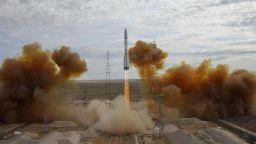 """Русия изстреля военния сателит """"Благовест"""""""