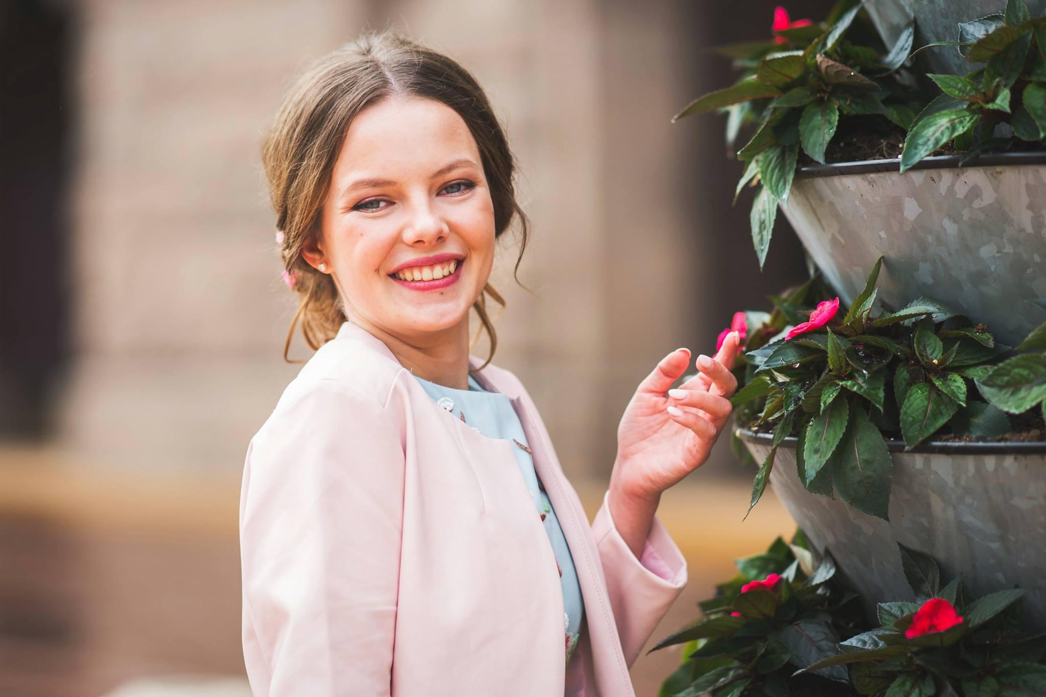 Мила Слепцова е Най-красивата абитуриентка 2017