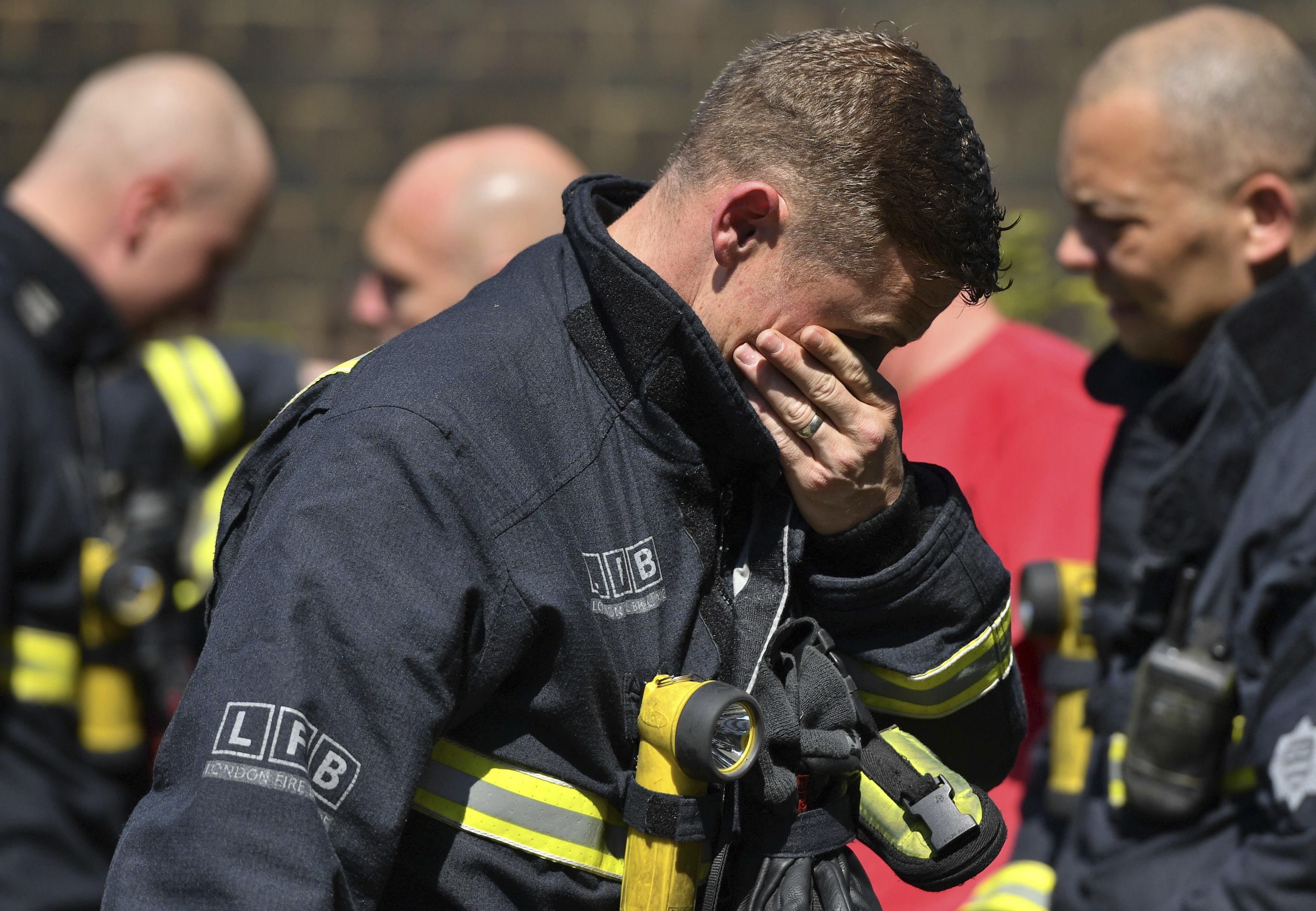 79 са загиналите и изчезналите след пожара в Лондон (снимки)