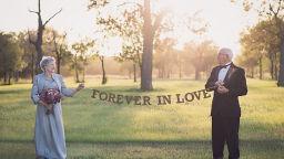 Сватбена фотосесия, която младоженците чакат 70 години