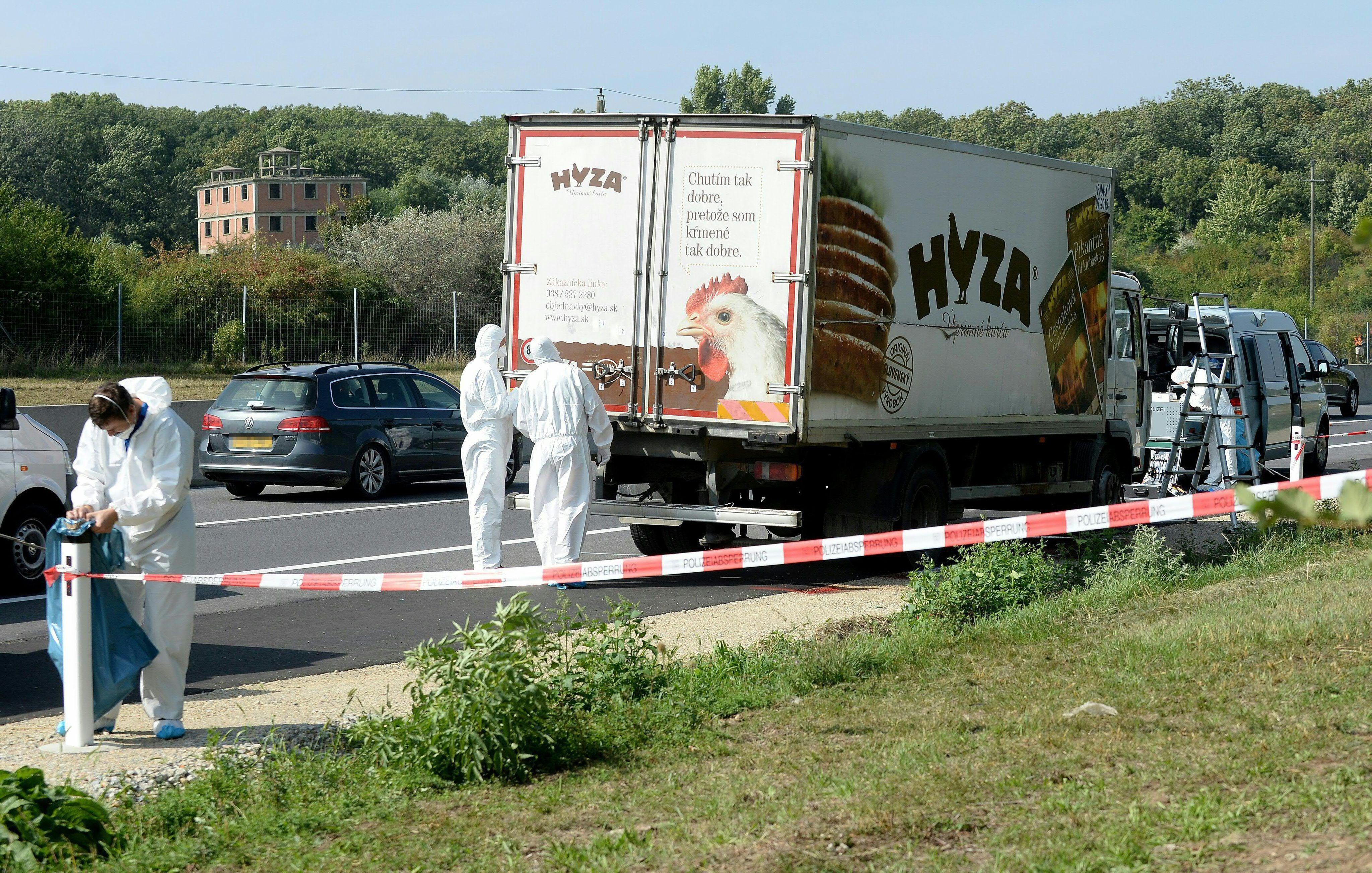 Започна делото за камиона-ковчег с бежанци в Австрия