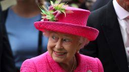 Кралица Елизабет II присъди титли на принц Хари и Меган