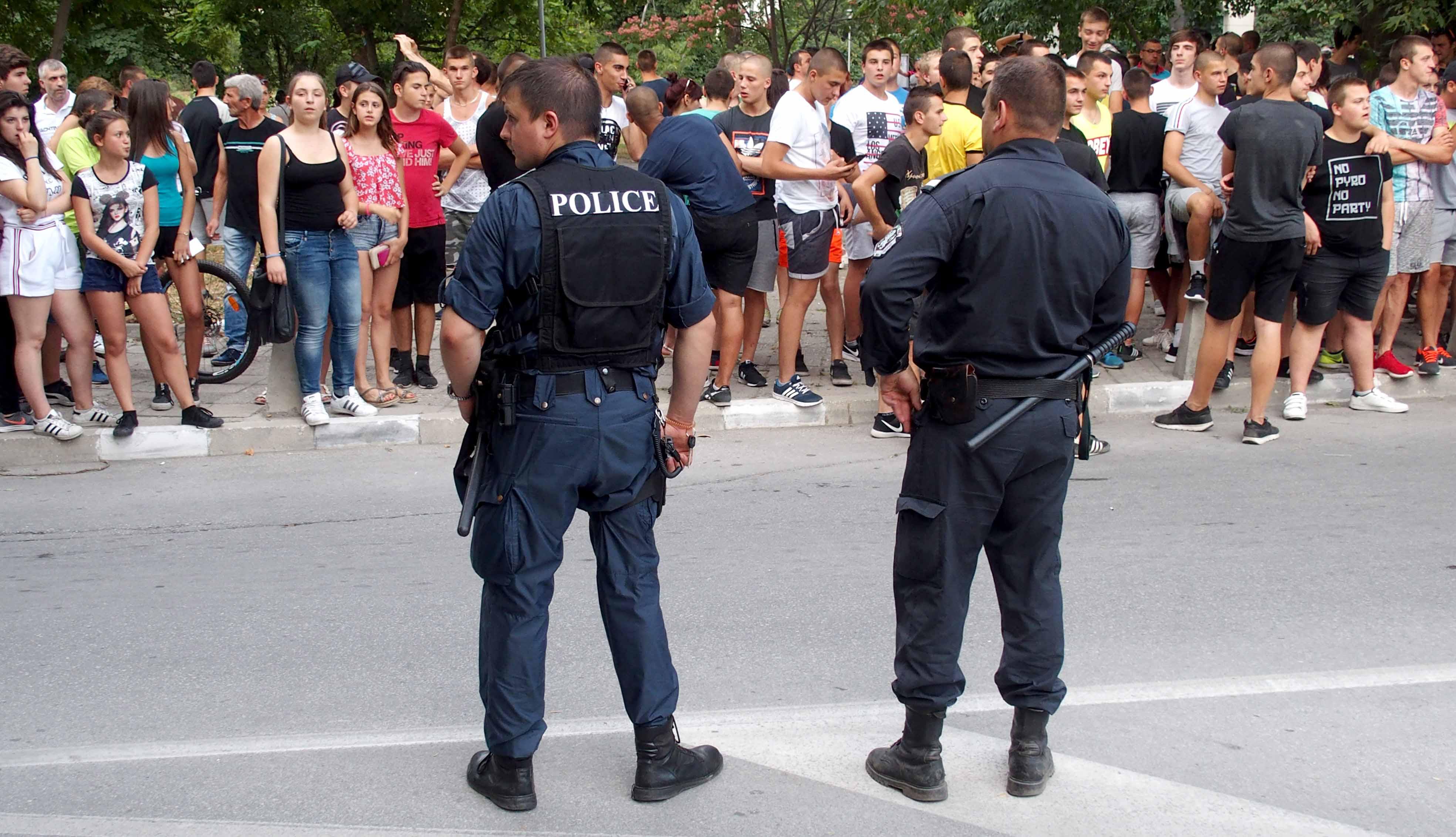Полиция окупира Асеновград, напрежението расте