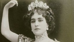 Танцьорката, заради която крал се отказва от короната си