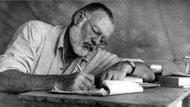 Великият Хемингуей, който обожавал живота, се самоубива на 62