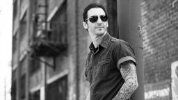 Фронтменът на рок групата Godsmack Съли Ърна идва отново в София за голям солов концерт тази есен
