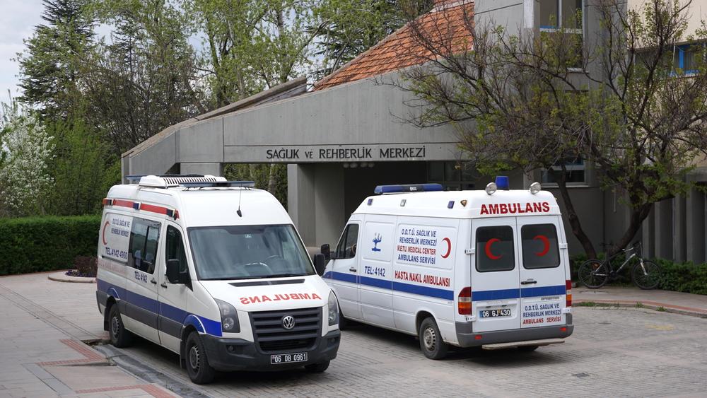 Закараха майката на покойния Наим Сюлейманоглу спешно в турска болница