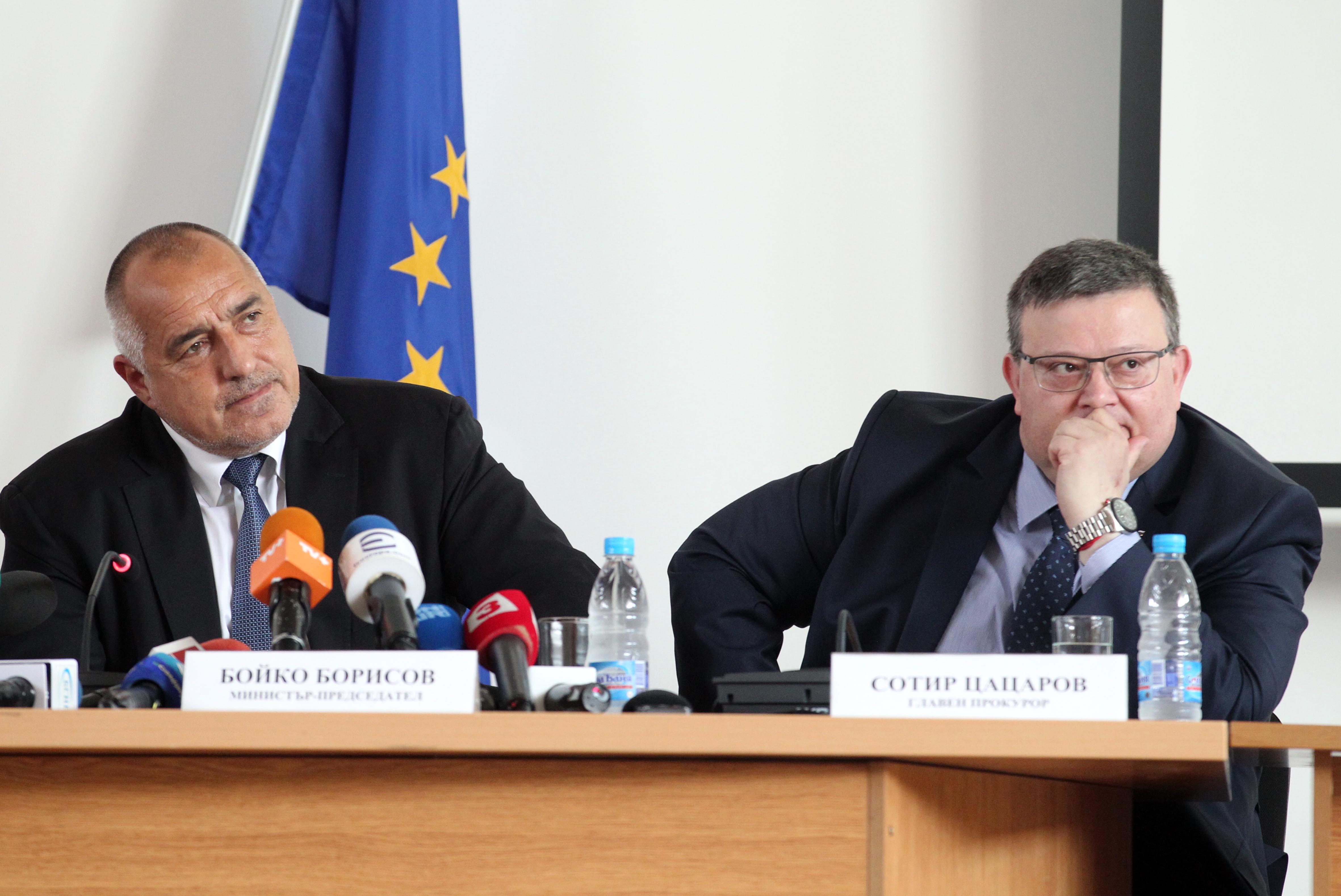 САЩ искат още 4-ма. Цацаров: Няма да ги арестуваме