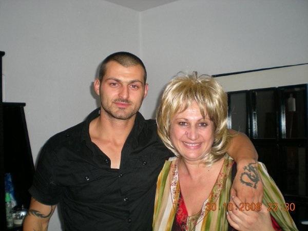 Майката на убития Боби Райнов вини и МВР