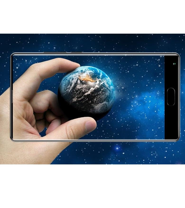 Нов безрамков смартфон за под $200