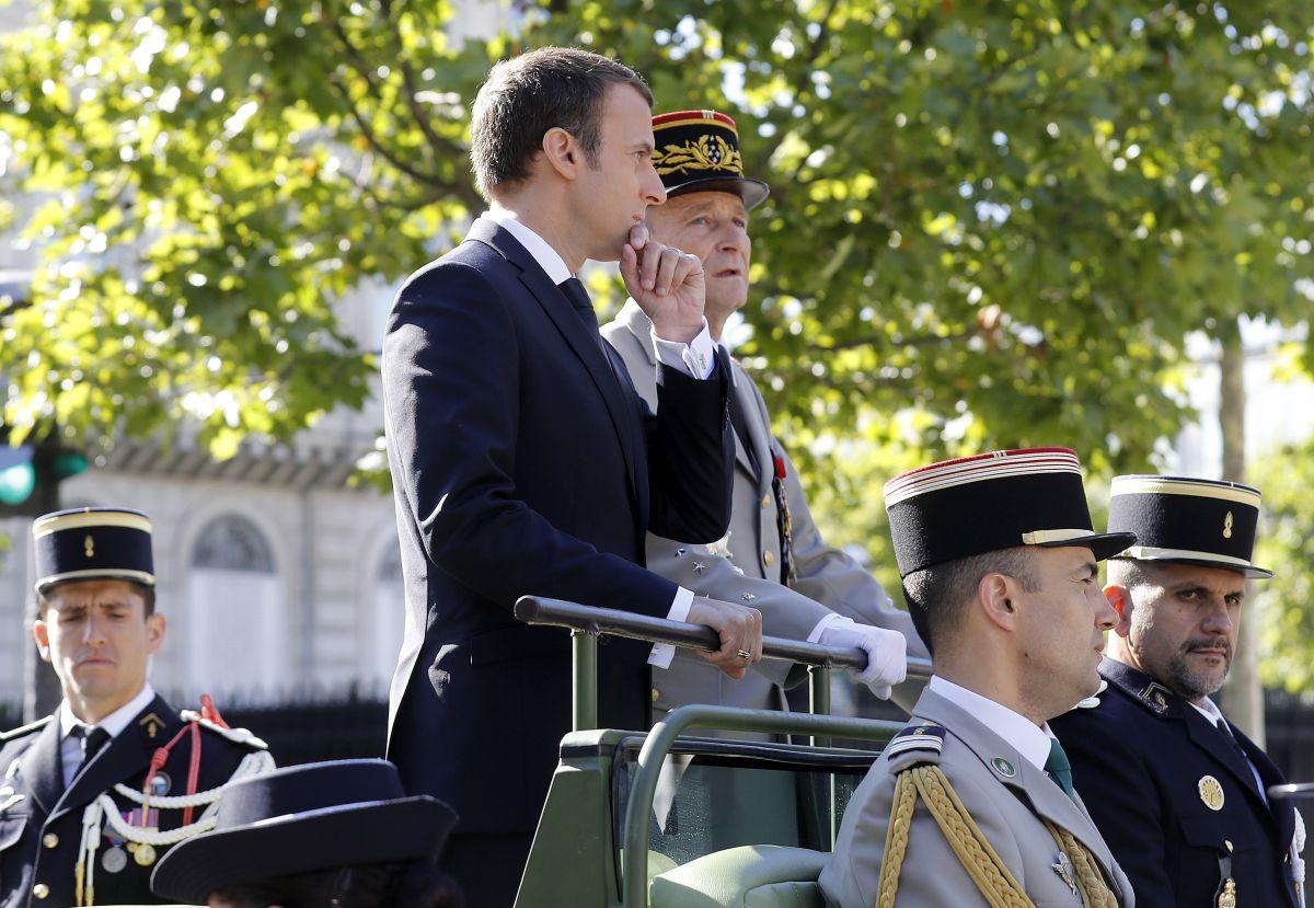 Военен парад в Деня на Бастилията пред погледа на Тръмп