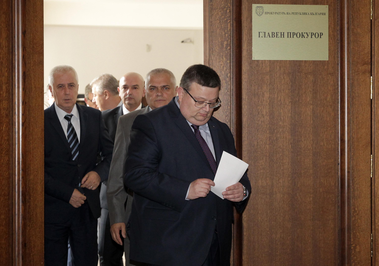 Павлова, Дончев и Рашидов ще бъдат разпитани за НДК