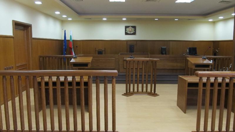 Адвокати на Цветан Василев бавят делото за КТБ