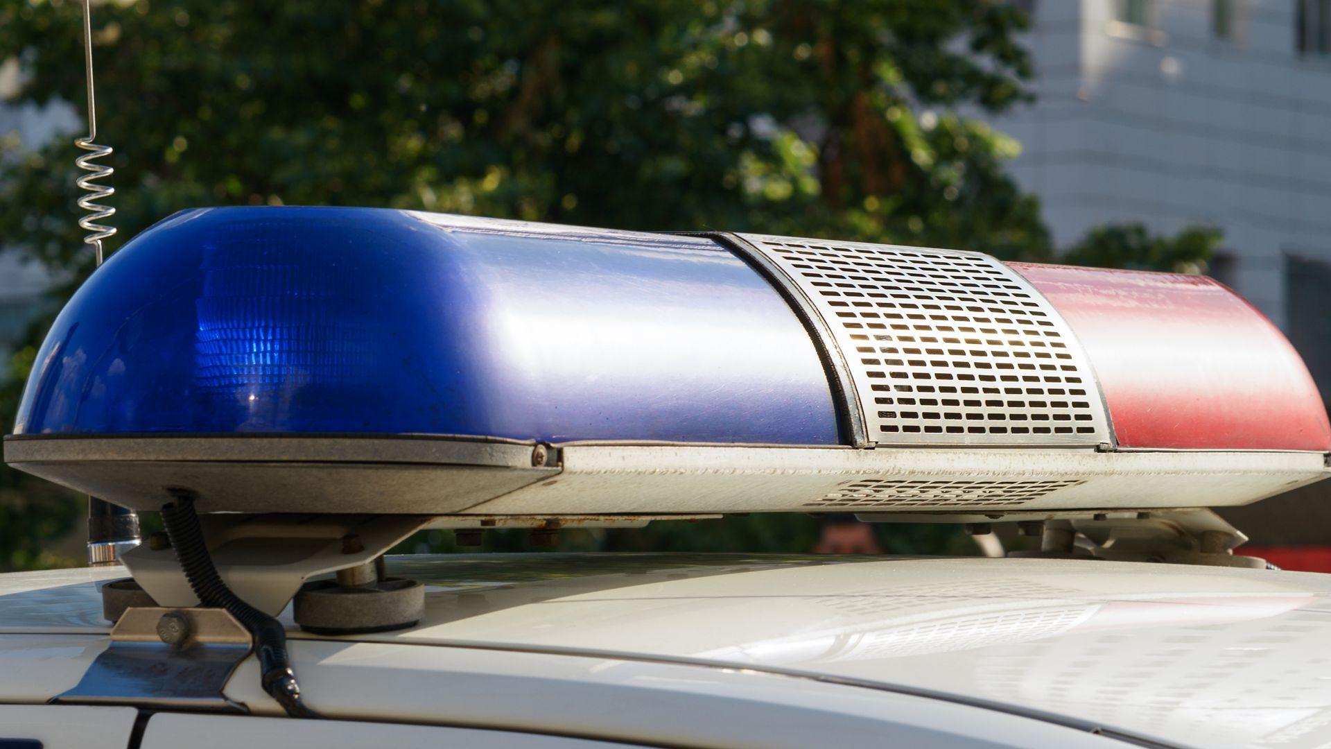 Трима ранени при удар между такси и маршрутка
