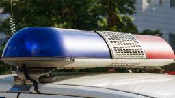 Задържаха бивш полицай, заплашвал с оръжие, след тричасови преговори