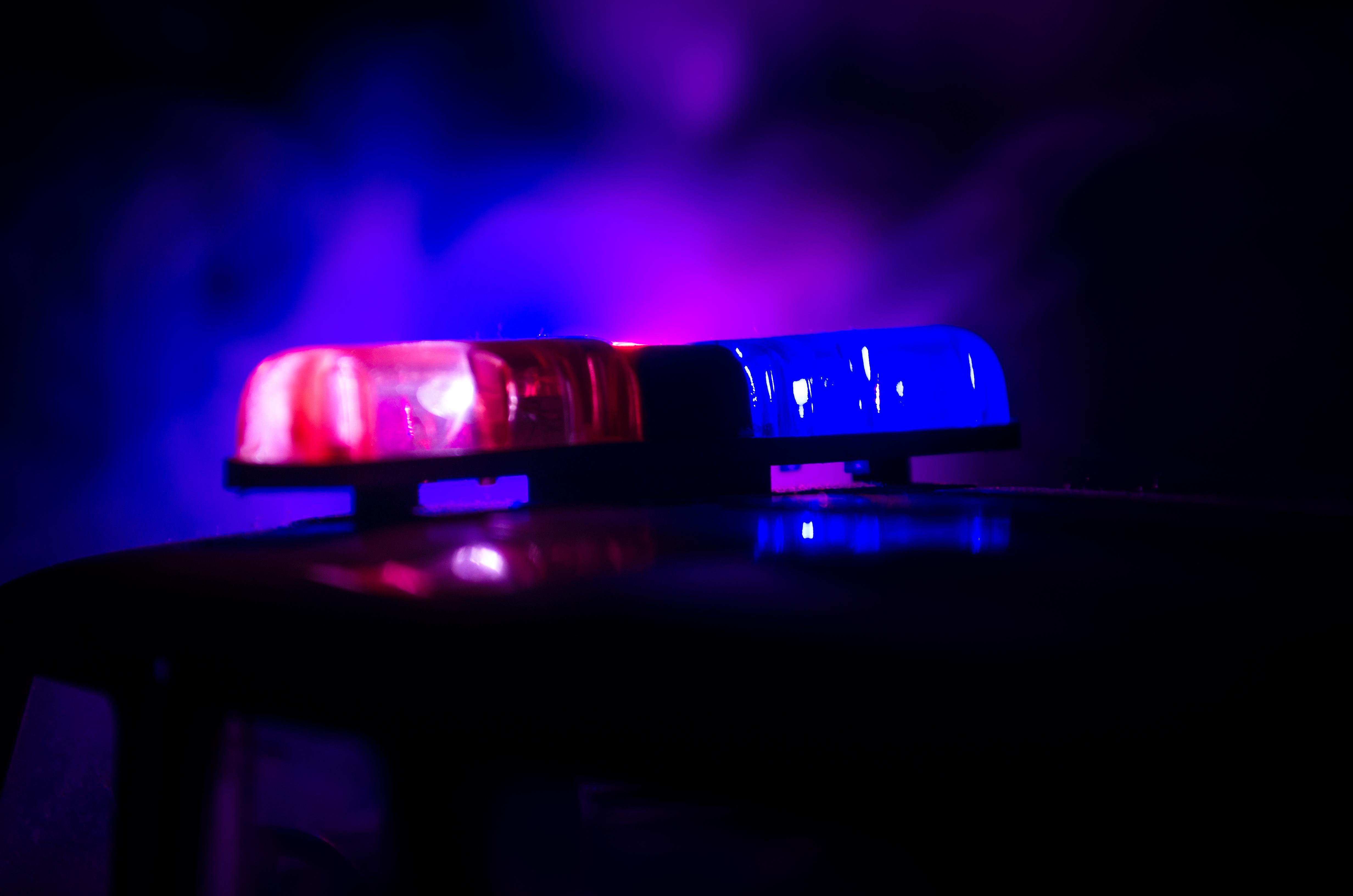 Мъж удари кола в дърво и загина на място