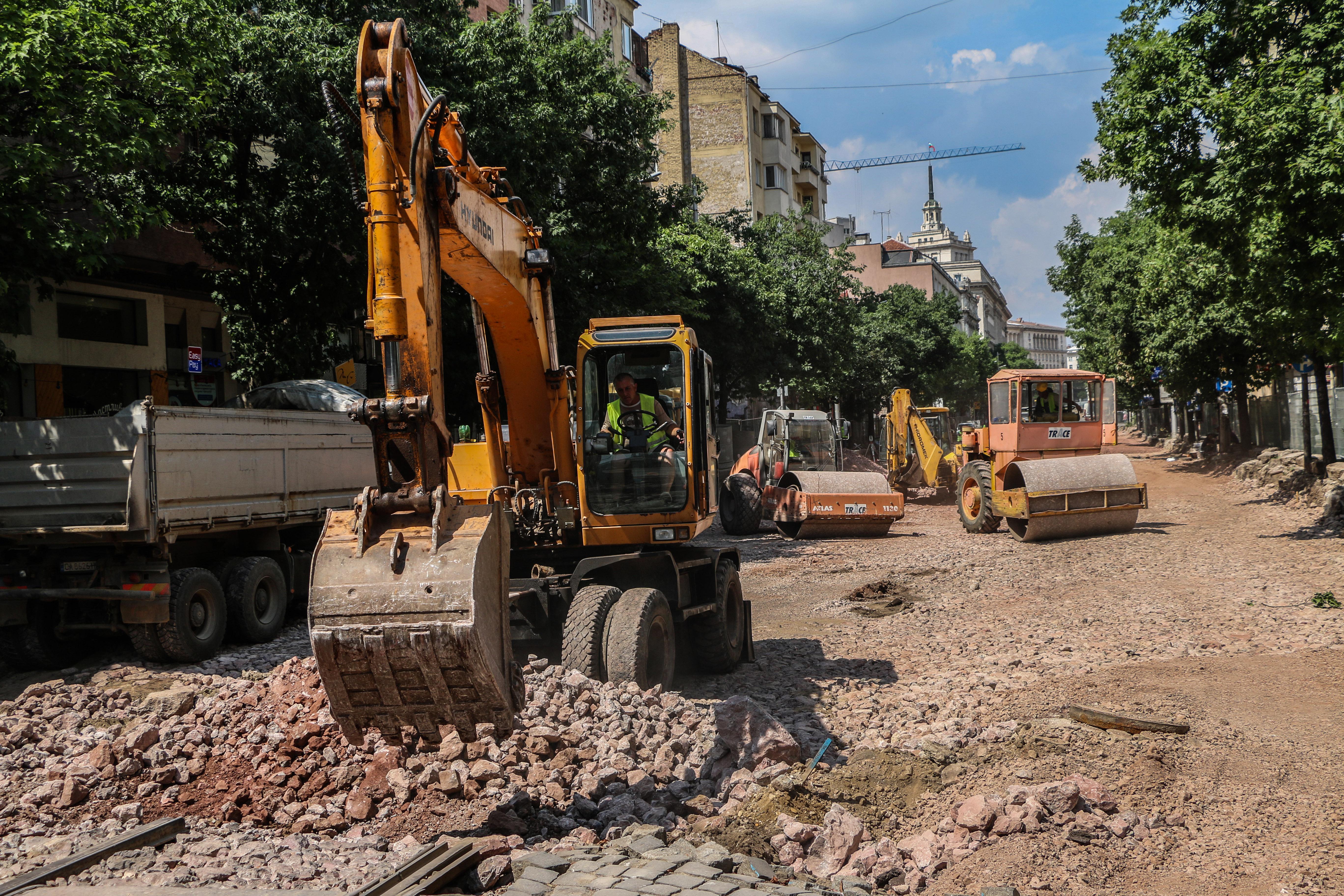 Волейболен турнир насред ремонтите на бул. Дондуков