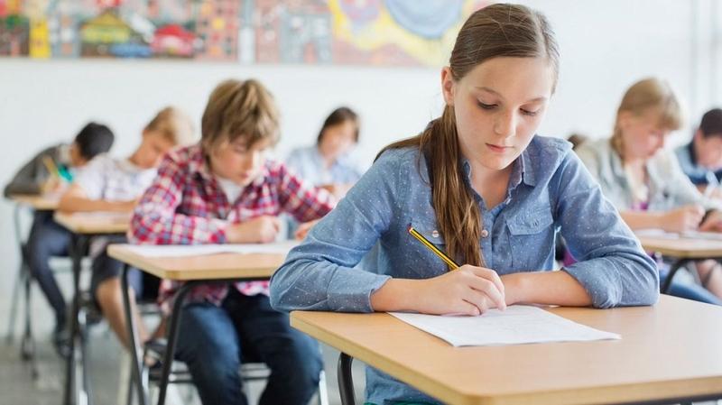 Коренна промяна: Удължават учебната година?