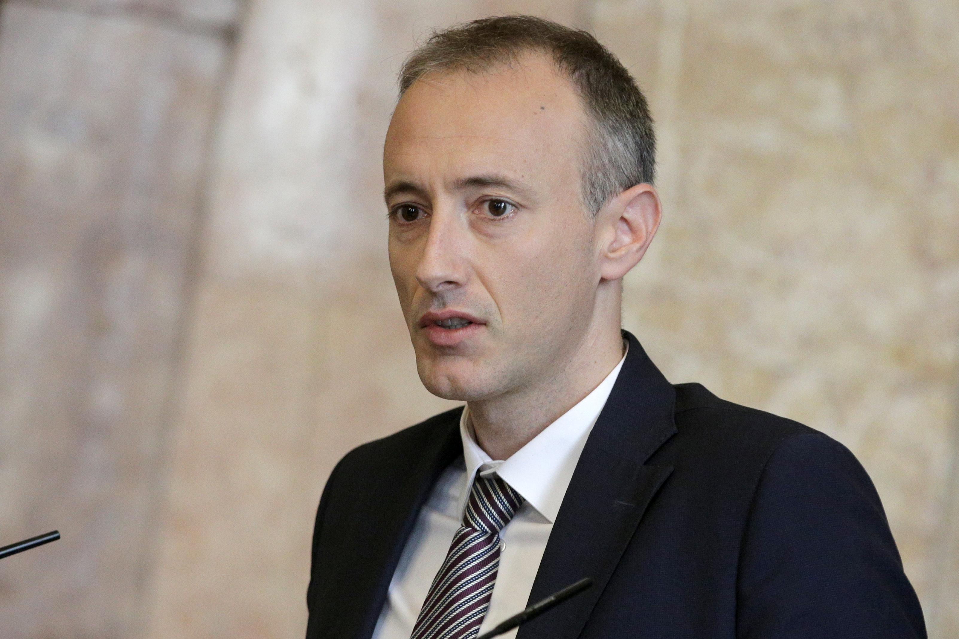 Министър спасява уникални професии
