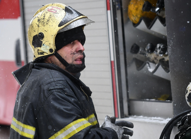 16-годишно момиче е в болница след пожар в София