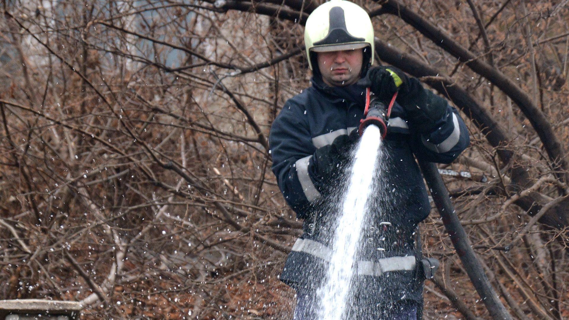 Две деца изгоряха при пожар край Перущица