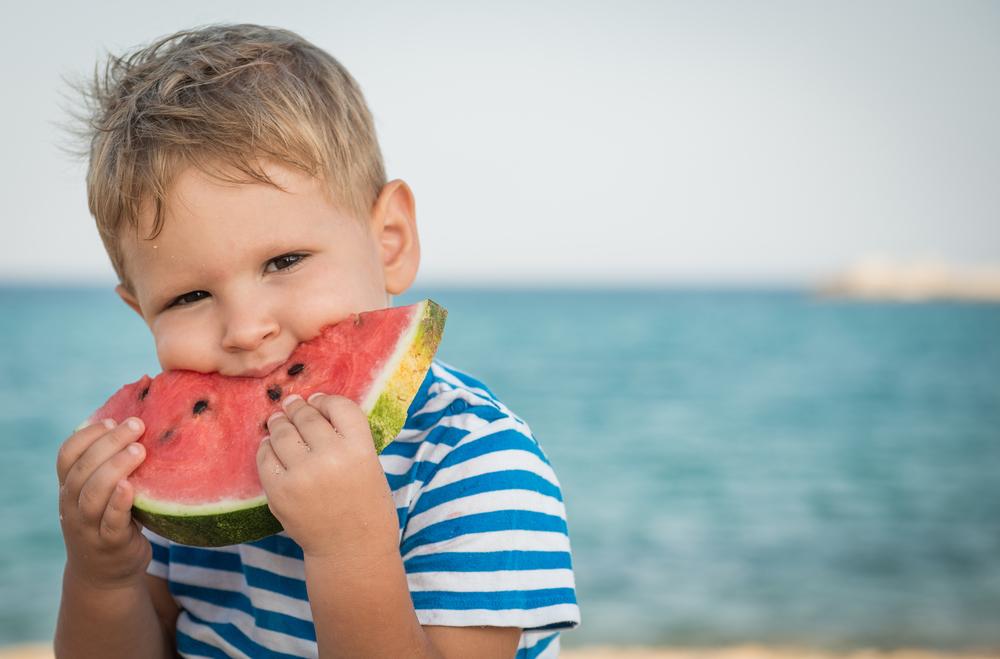 Децата между 5 и 11 г. да приемат 2 закуски между храненията
