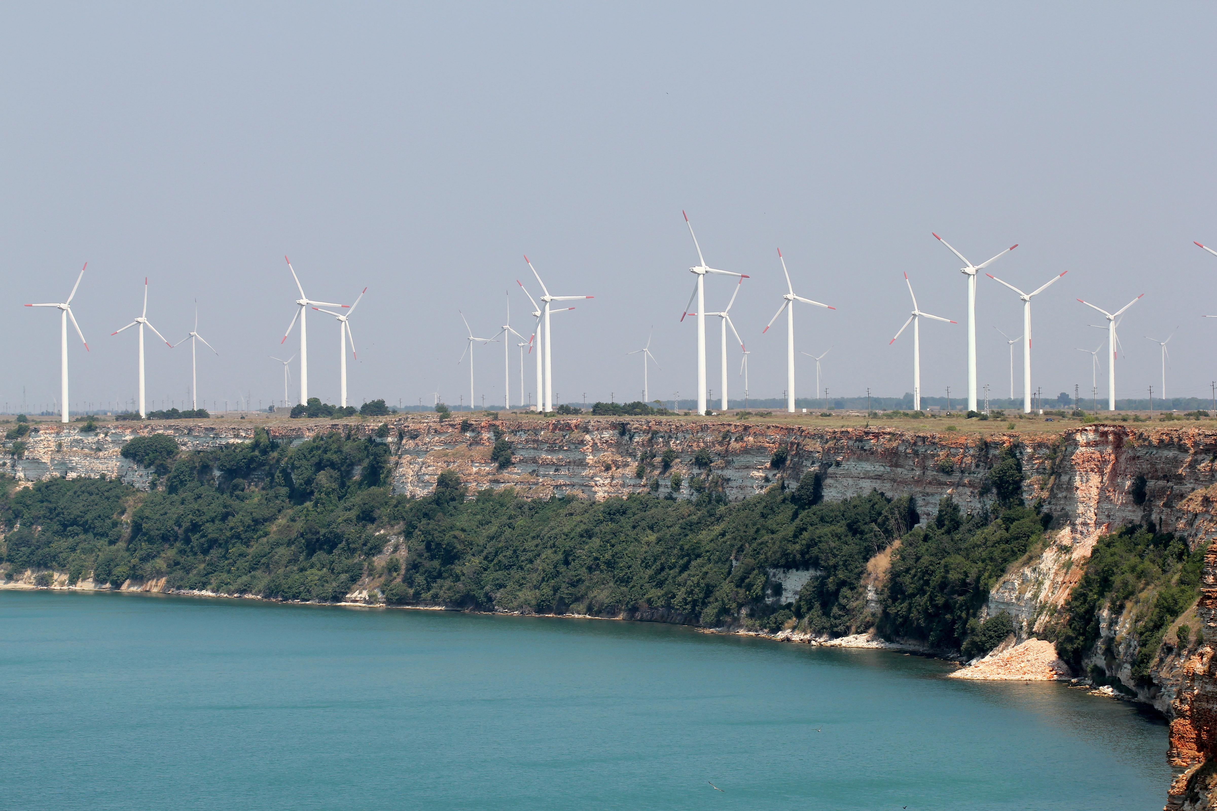 Дания с нов рекорд за електроенергия от вятър