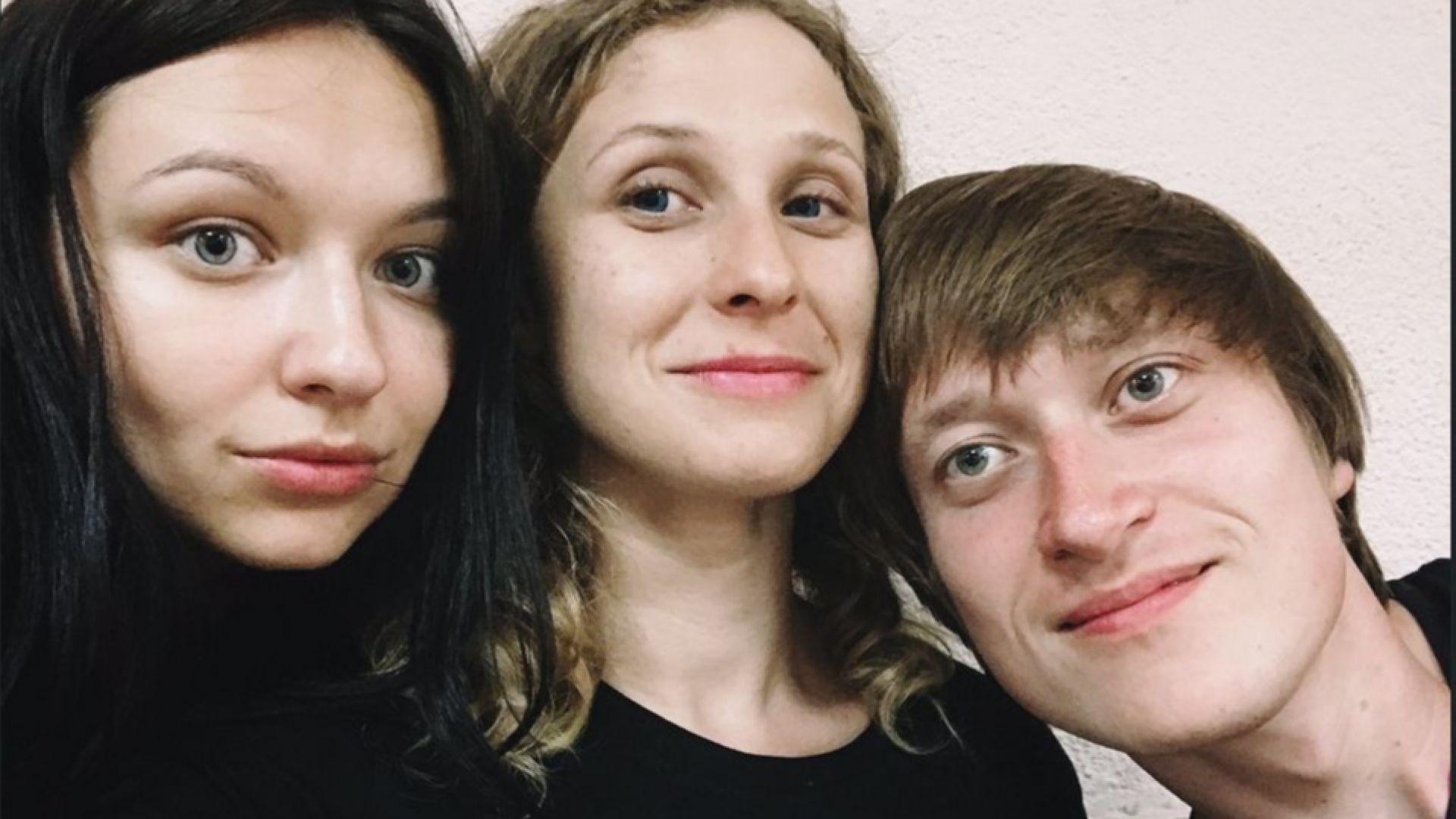 """Арестуваха Мария Альохина  от """"Пуси Райът"""" за неподчинение"""