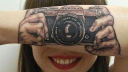 Потресаващи татуировки, направени на точните места