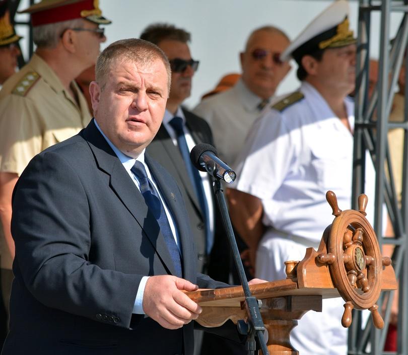Каракачанов иска 90 мил. лева за модернизация на фрегатите