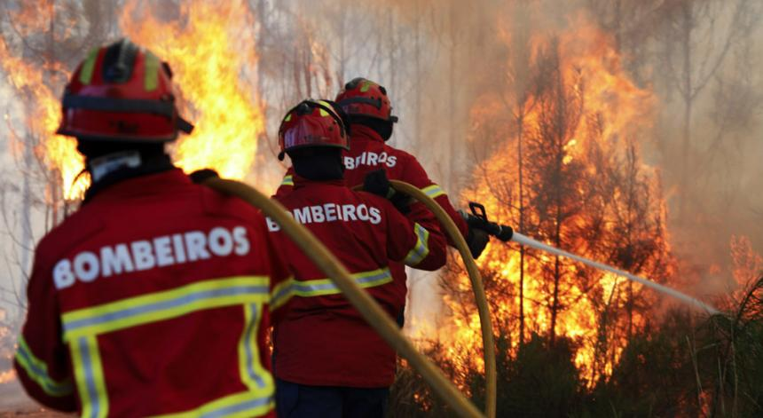 Португалия поиска помощ за потушаване на пожарите