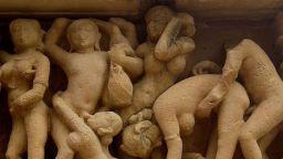 Шокиращите еротични скулптури на Кхаджурахо