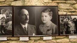 """Изложба за 80-годишнината на Симеон Сакскобургготски показват в """"Двореца"""" в Балчик"""