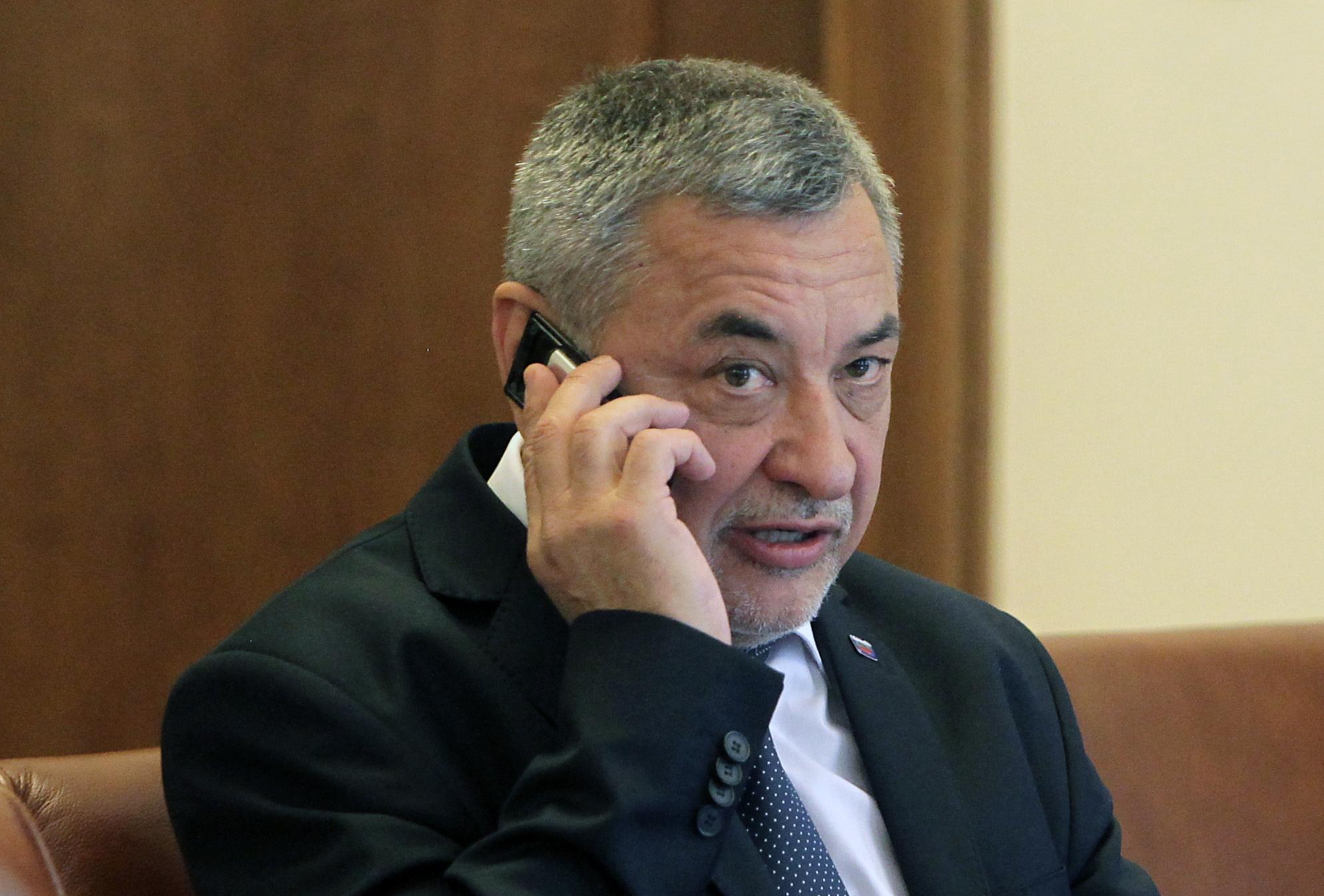 Симеонов: Безпощадни наказания за чиновници, взели подкуп