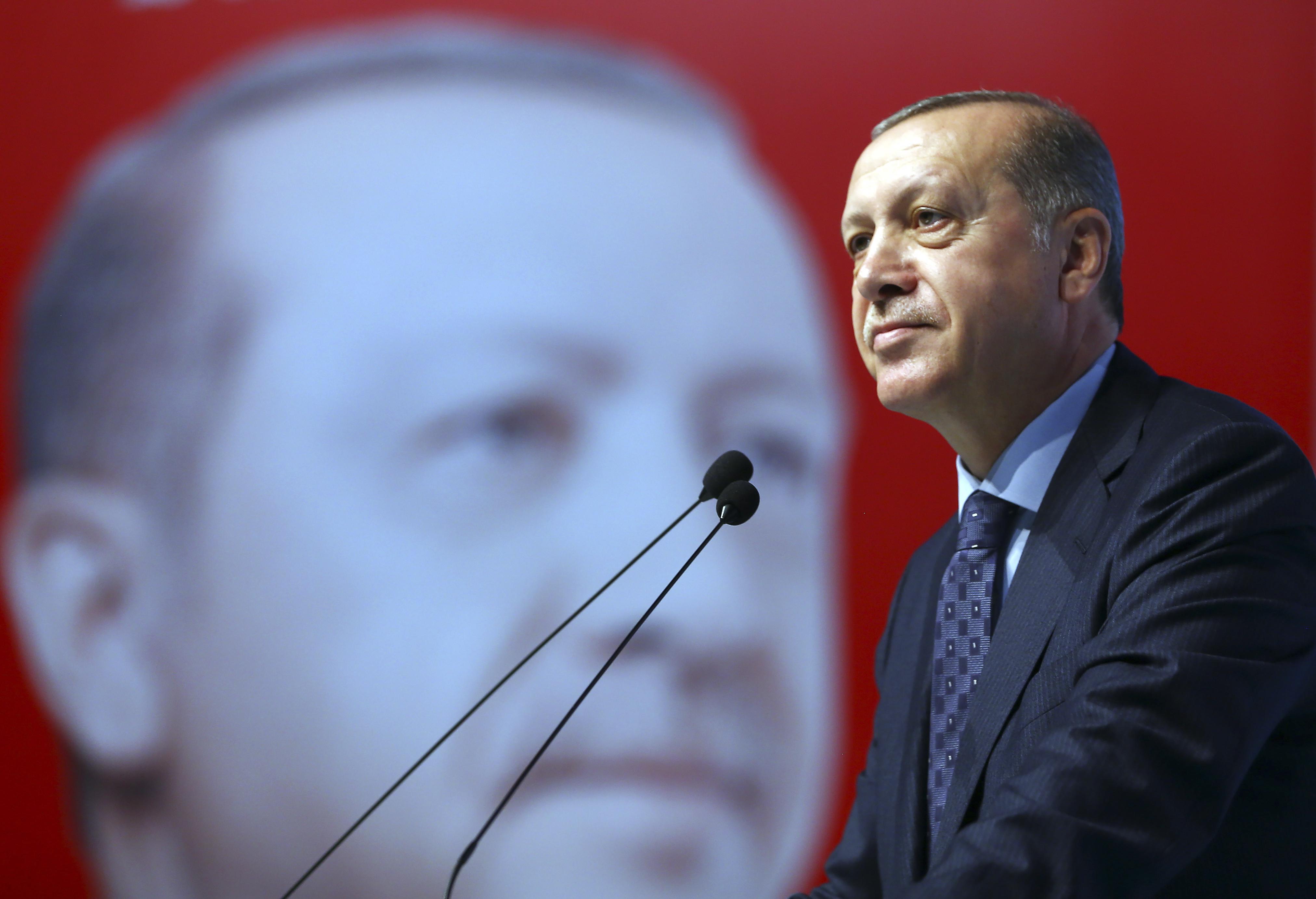 """Ердоган """"стигна"""" този път само до Кърджали"""