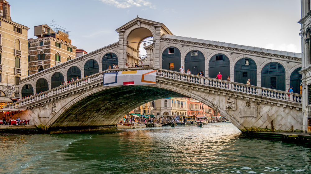 Кметът на Венеция заплаши терористите със снайперисти