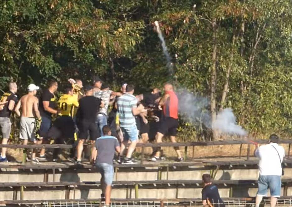 Бой и стрелба с пушка на мач в Пазарджик (видео)