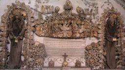 Църква от човешки кости в Рим
