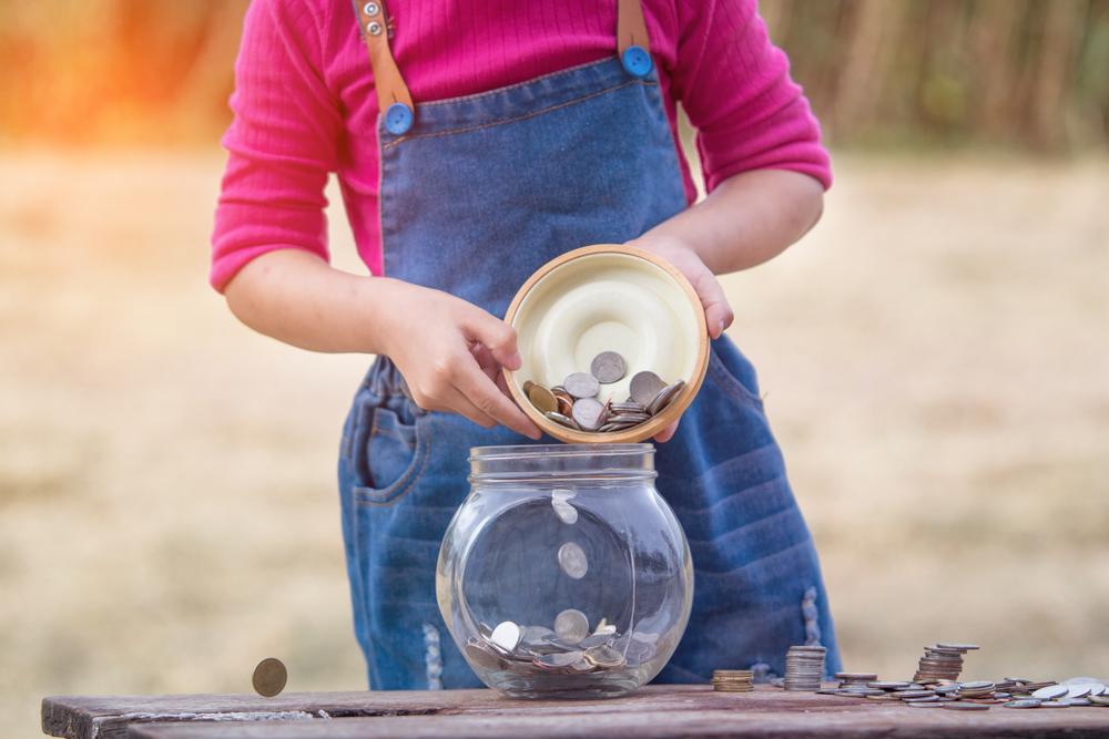 9 начина да научим детето да борави с пари