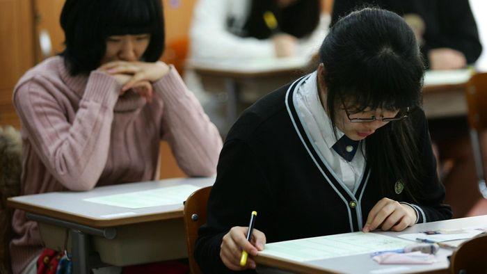 Южнокорейските деца учат по 16 часа на денонощие