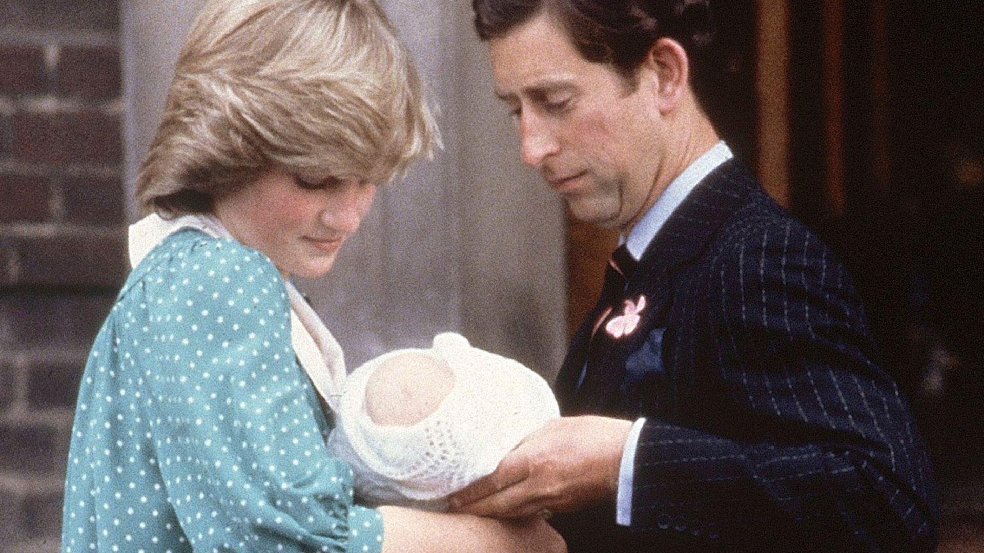 Кралските бебета на път за вкъщи