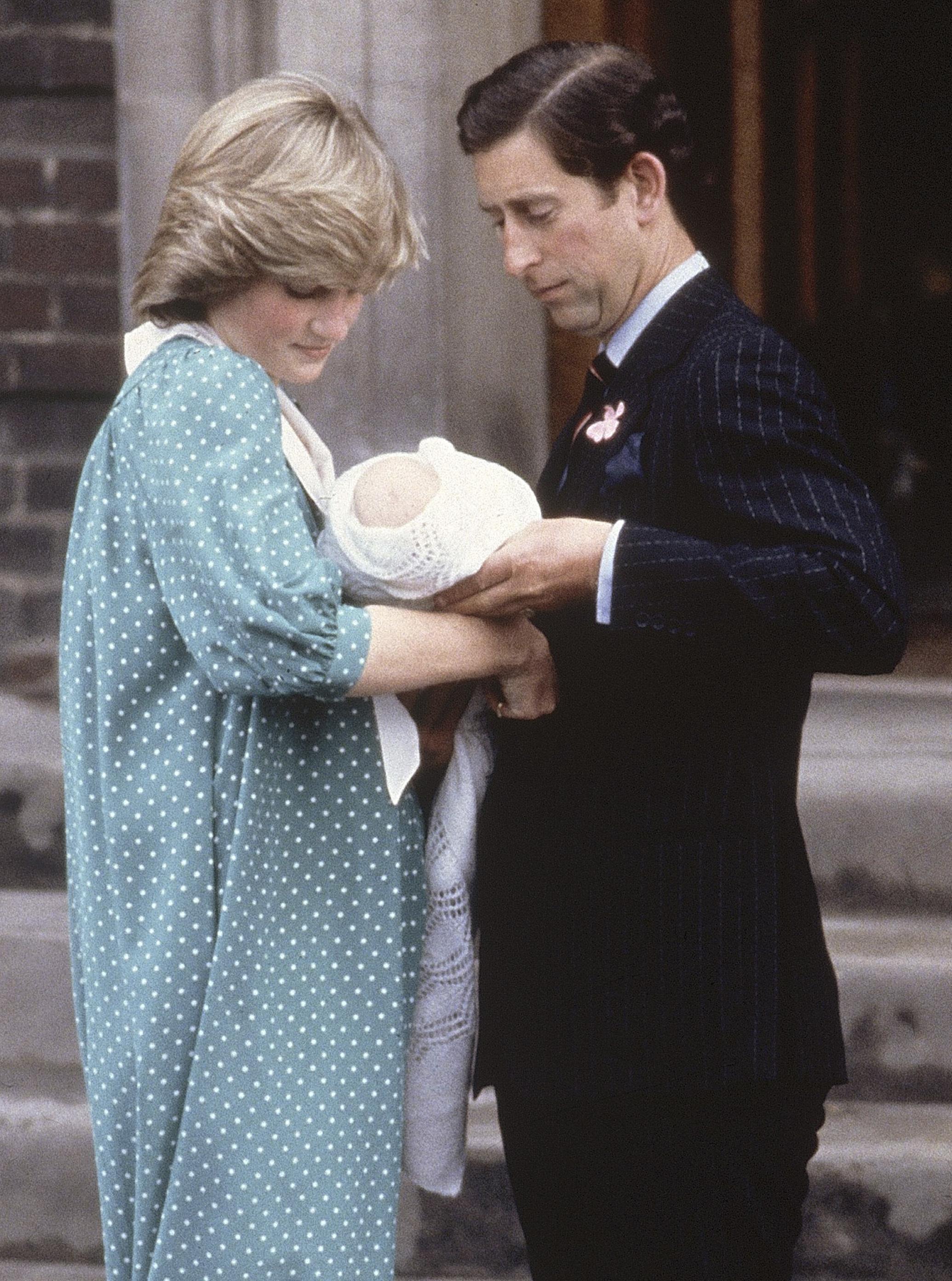 Принцеса Даяна и принц Чарлз с малкия Уилям