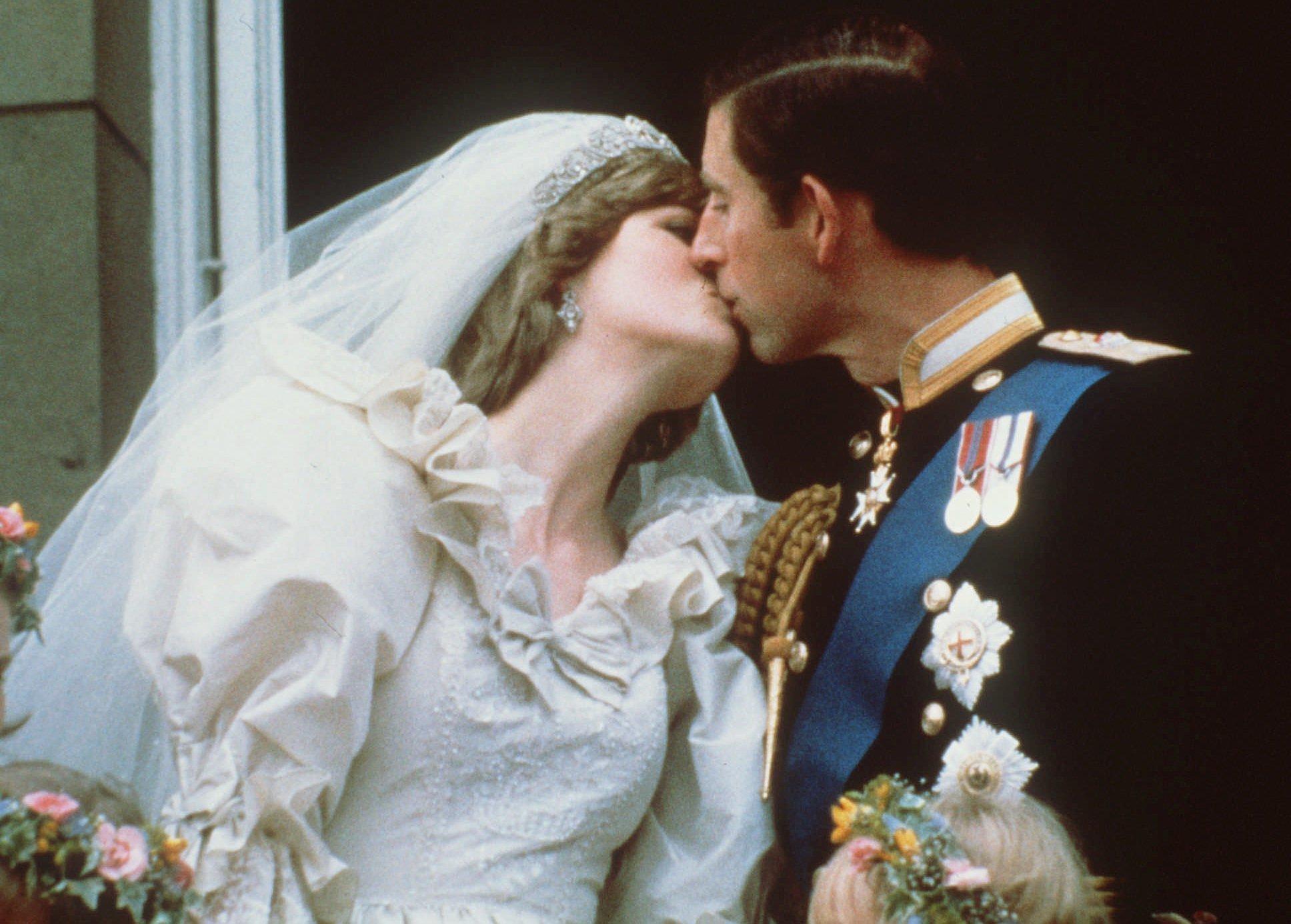 принц Чарлз и принцеса Даяна на сватбата им