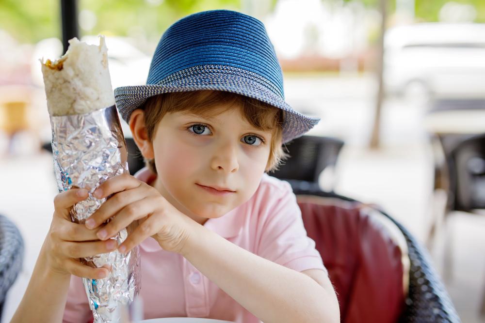 Как влияе бързата храна на децата