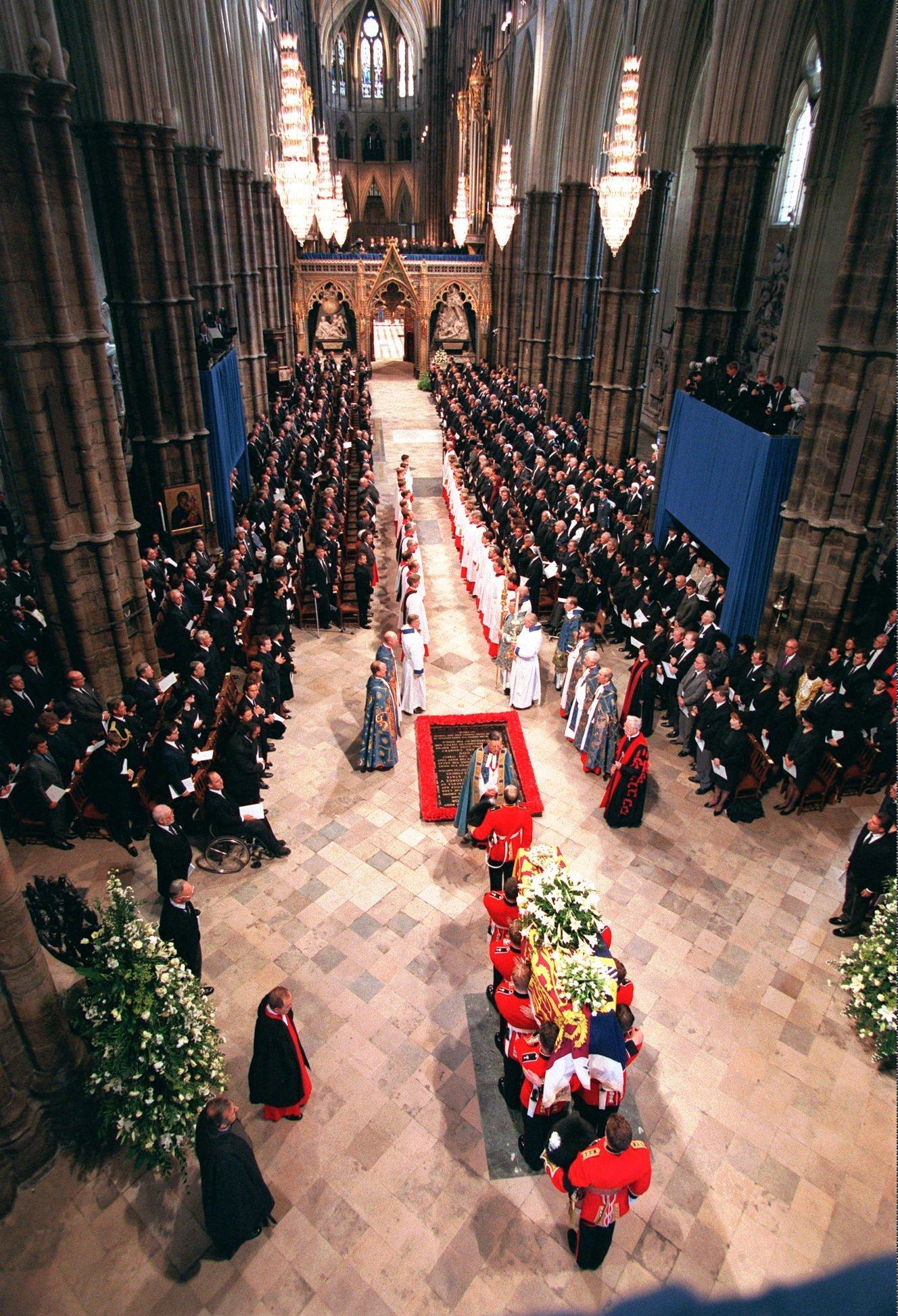 погребението на принцеса Даяна