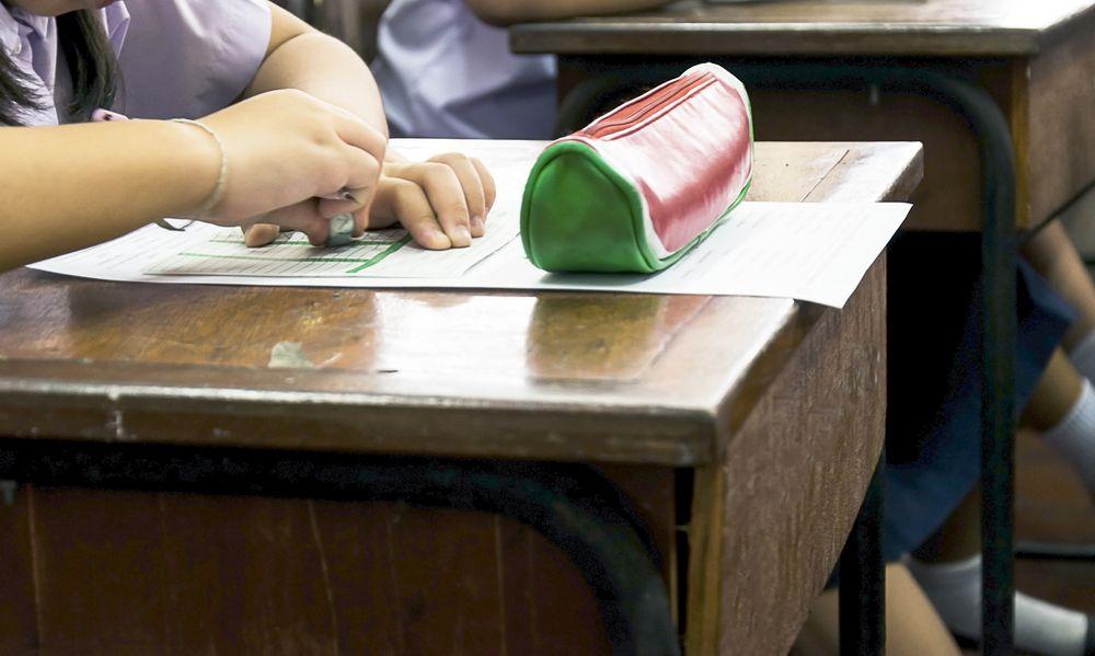 Над 206 000 деца отпаднали от образователната система
