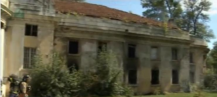 """Учени подреждат пъзела """"българско наследство"""""""