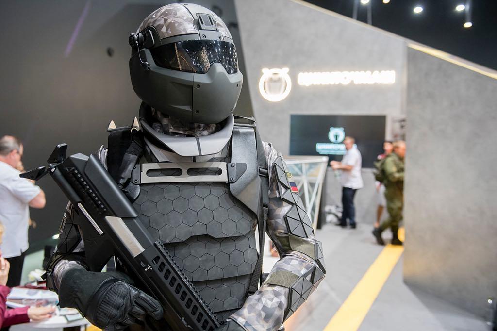 Русия прави военен екзоскелет-униформа